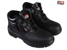Pair of Scan 4 D-Ring Chukka Black Safety Boots UK 6 Euro 39 SCAFWCHUK6